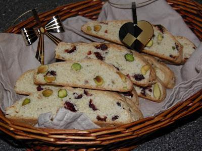 Tranebær- og pistacibiscotti