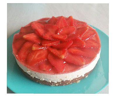 Jordbær cheesecake med marcipanbund