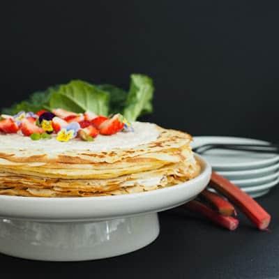 Pandekage kage med rabarber
