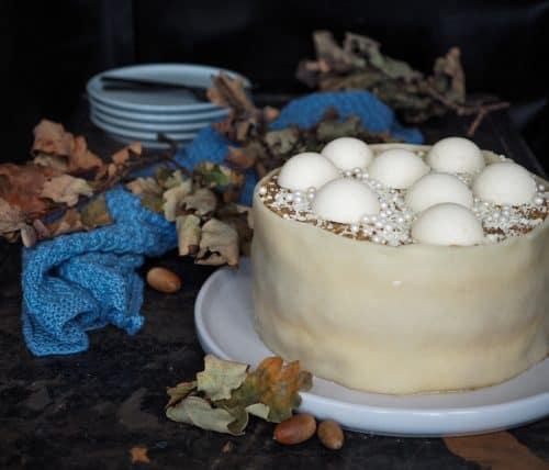 Drømmekage Gammeldags æblekage Æbledrøm moussebomber marcipanbånd